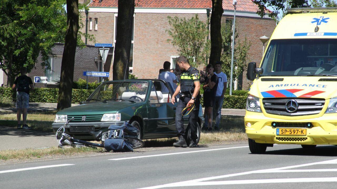 Fietser gewond bij ongeval met auto op N342 in Denekamp.