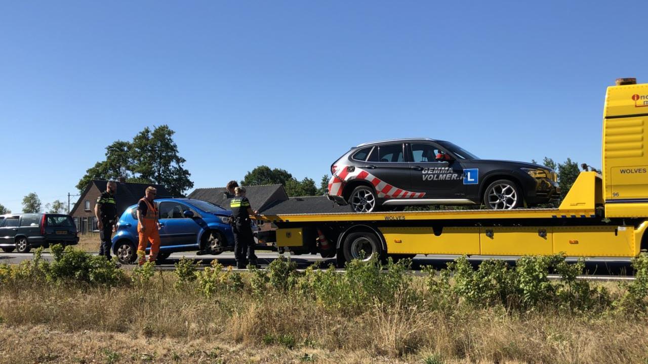 Ongeval met lesauto op N35 tussen Nijverdal en Wierden.