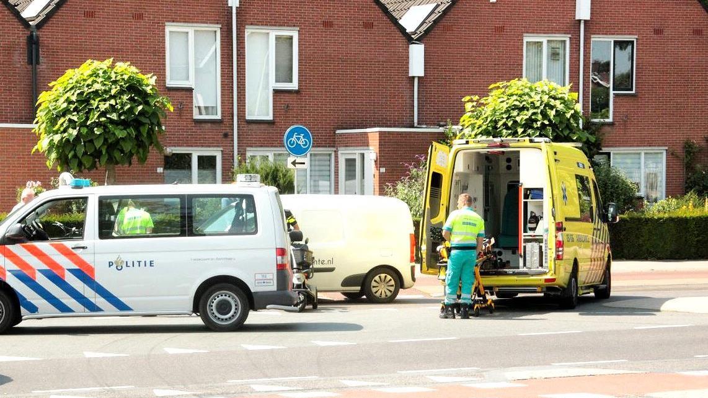 Scootmobieler gewond bij aanrijding met auto in Oldenzaal.
