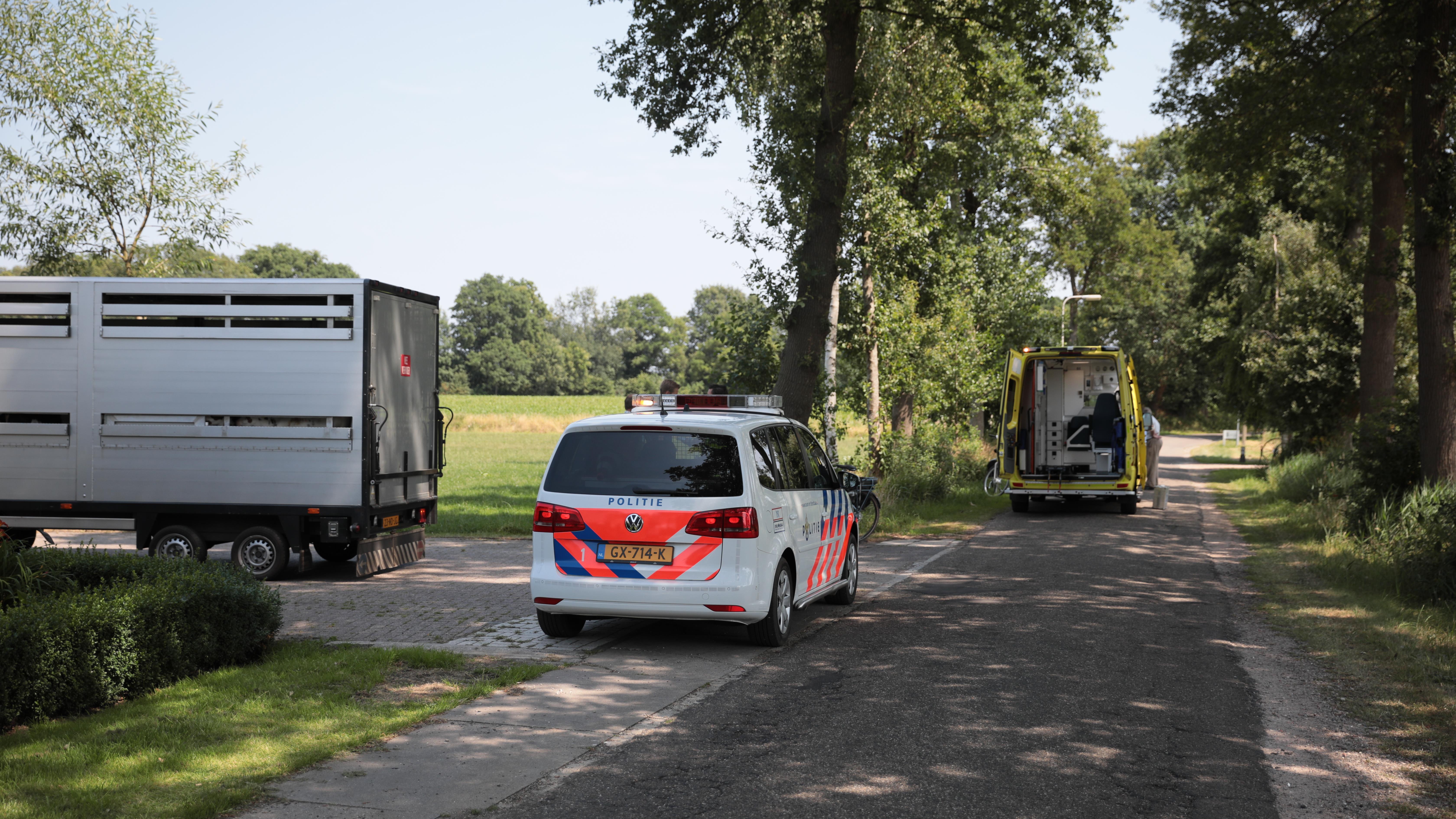 Fietsster gewond bij aanrijding in Hellendoorn.
