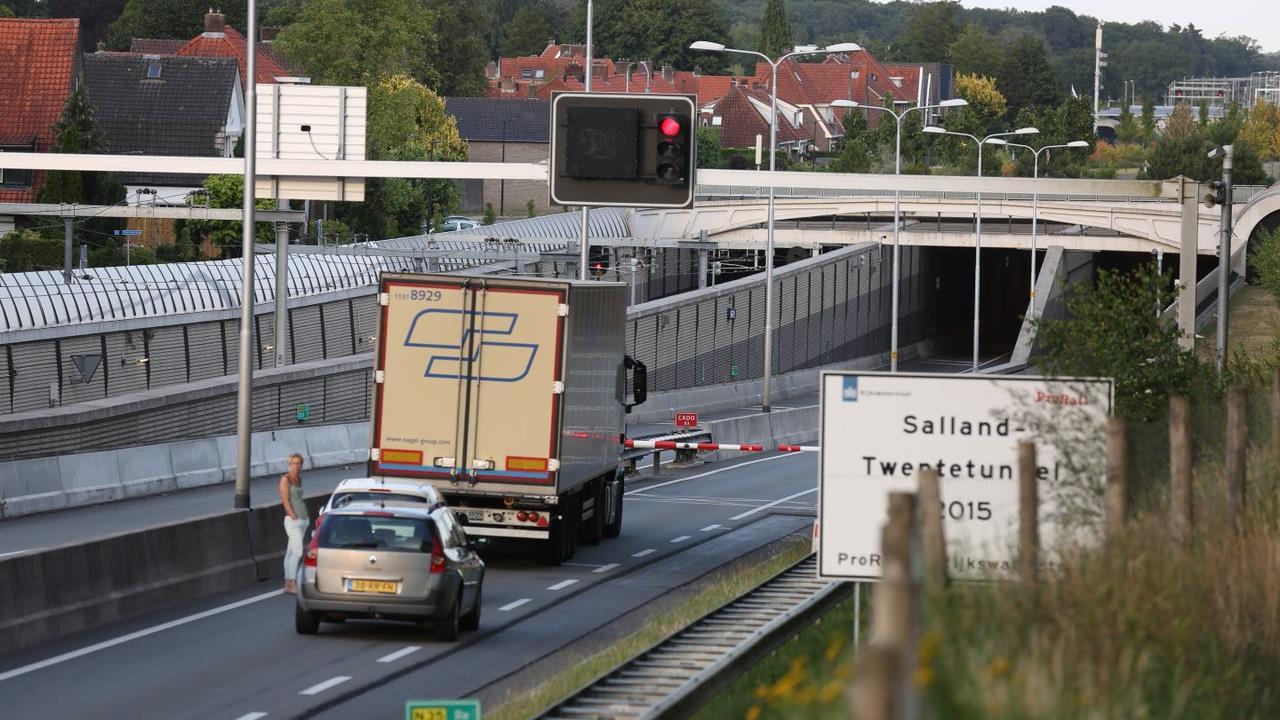 N35-tunnel bij Nijverdal inmiddels weer open na ongeval.