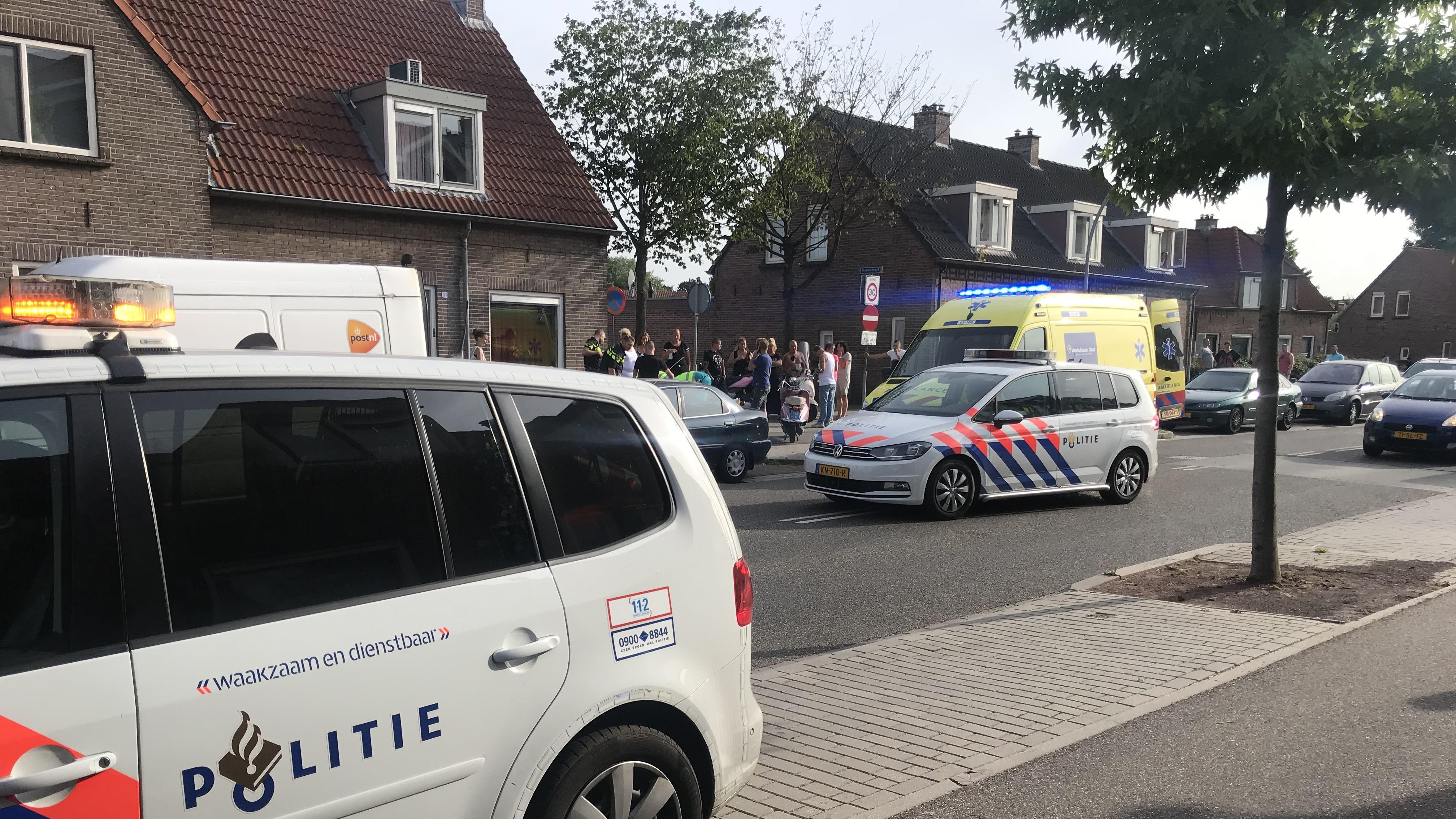 Scooterrijder en passagier gewond bij ongeluk in Almelo.