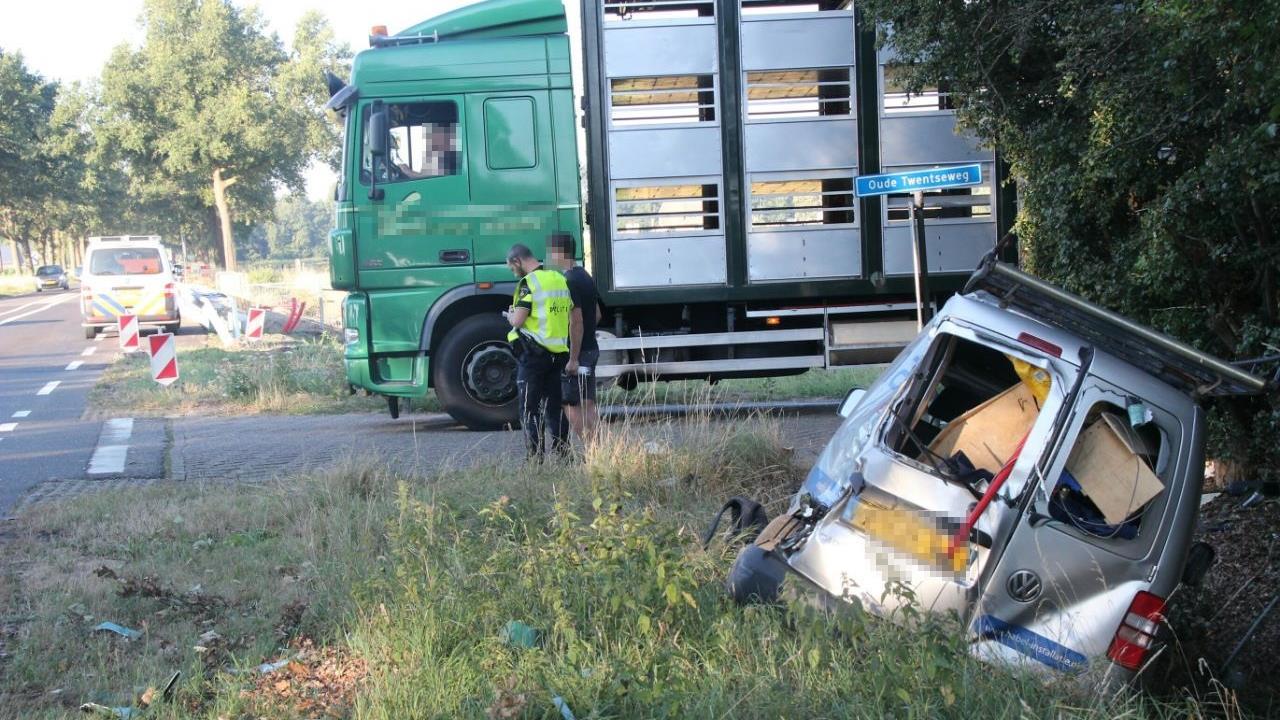 Files door ongelukken, werkzaamheden en brandende vrachtwagen.