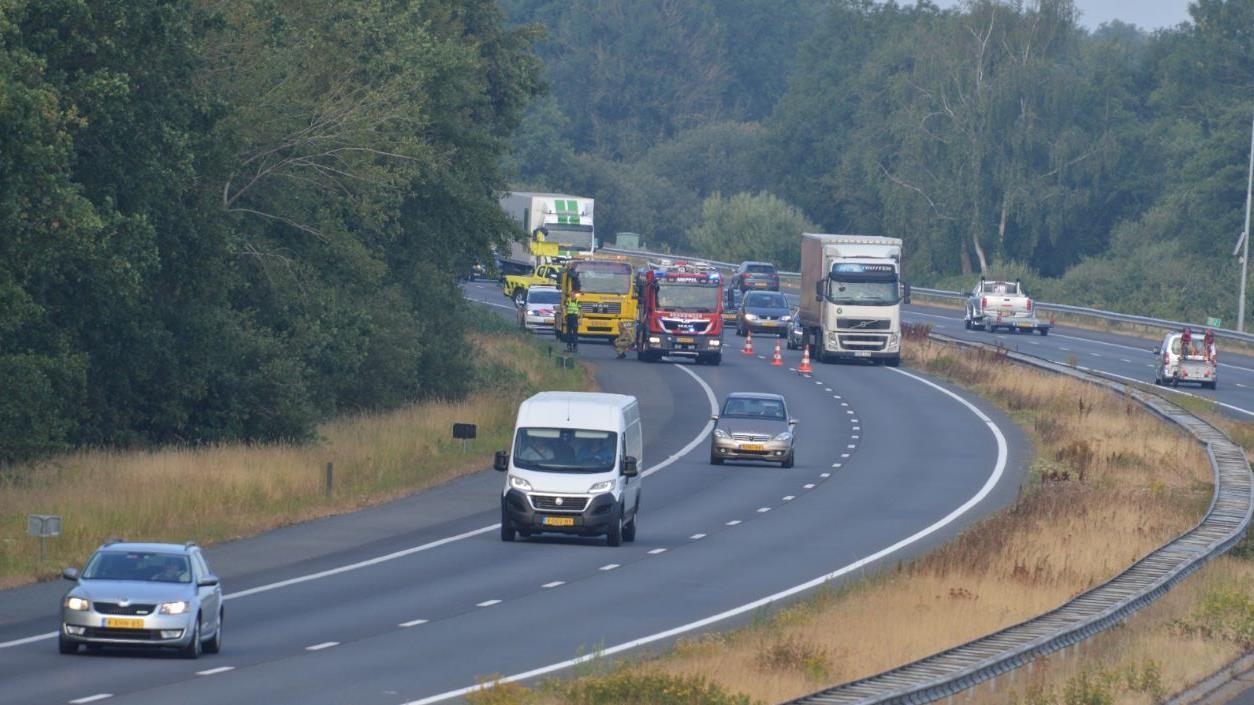 Rijstrook A28 bij Staphorst weer open na ongeval.