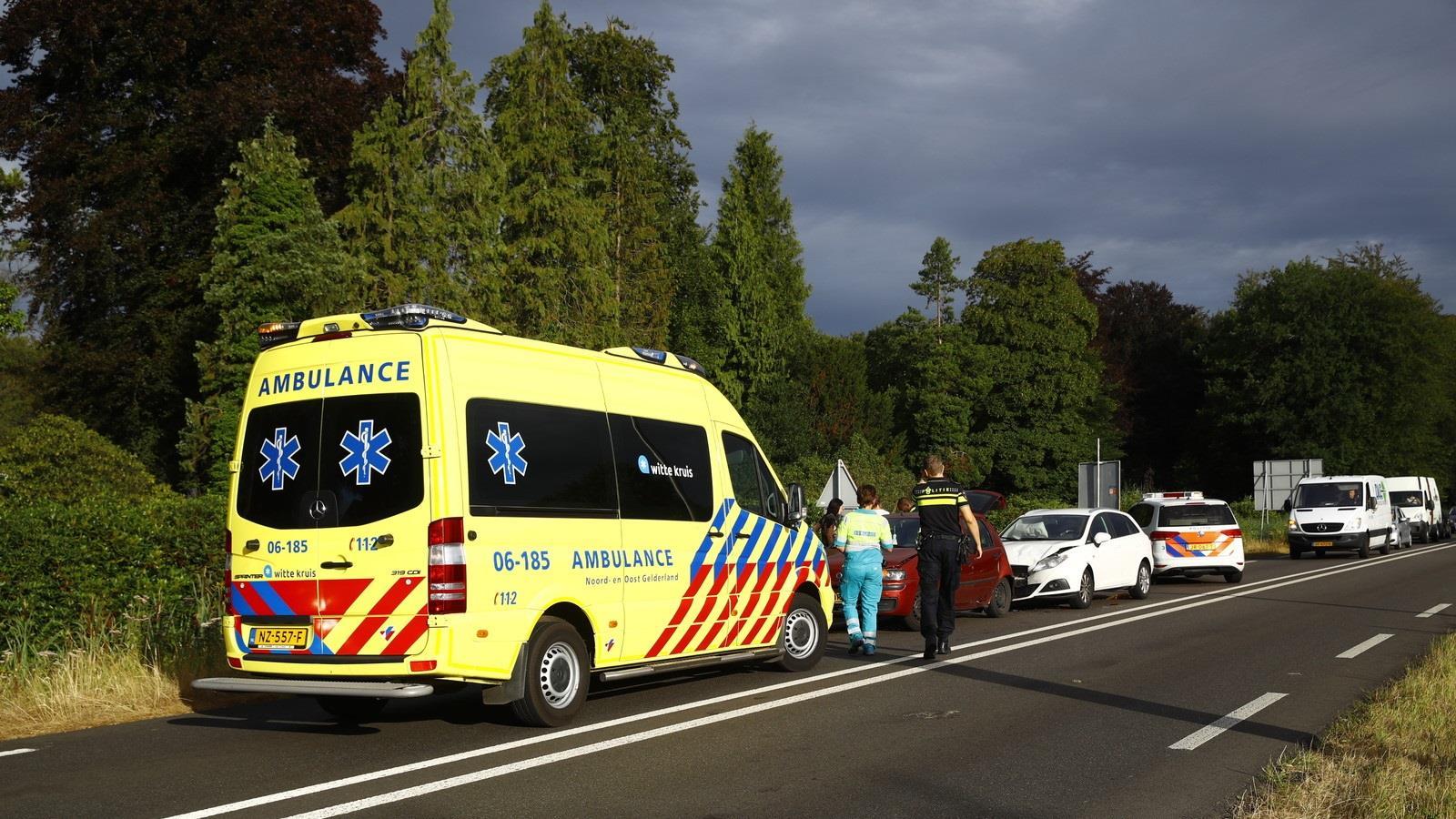 Gewonde bij ongeval op drukke omleidingsroute afgesloten N50 bij Kampen.