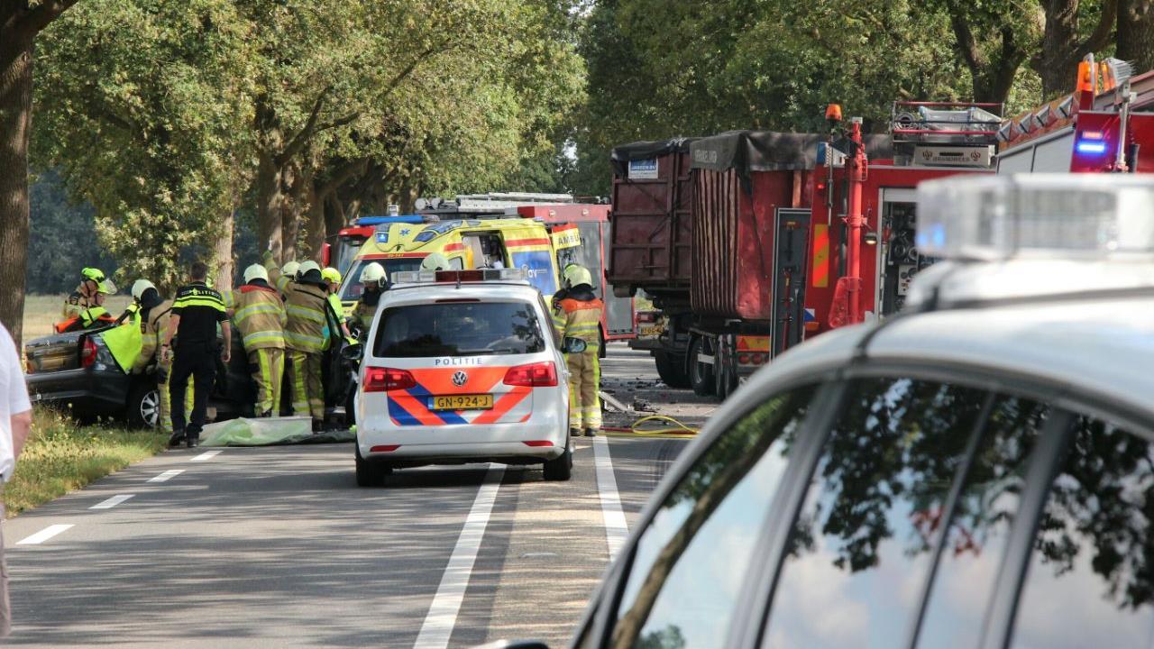 N348 weer vrij na ernstig ongeluk bij Raalte.