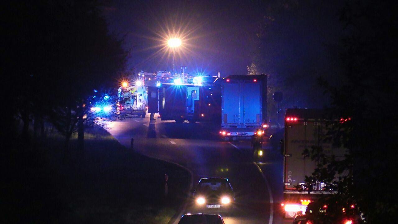 N35 bij Enschede tijdelijk afgesloten na ongeval.