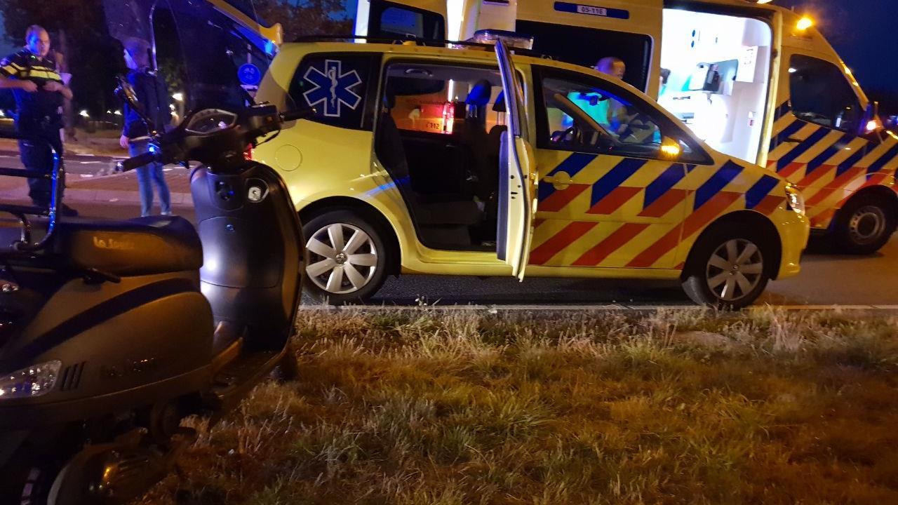 Scooterrijder gewond bij aanrijding in Hengelo.