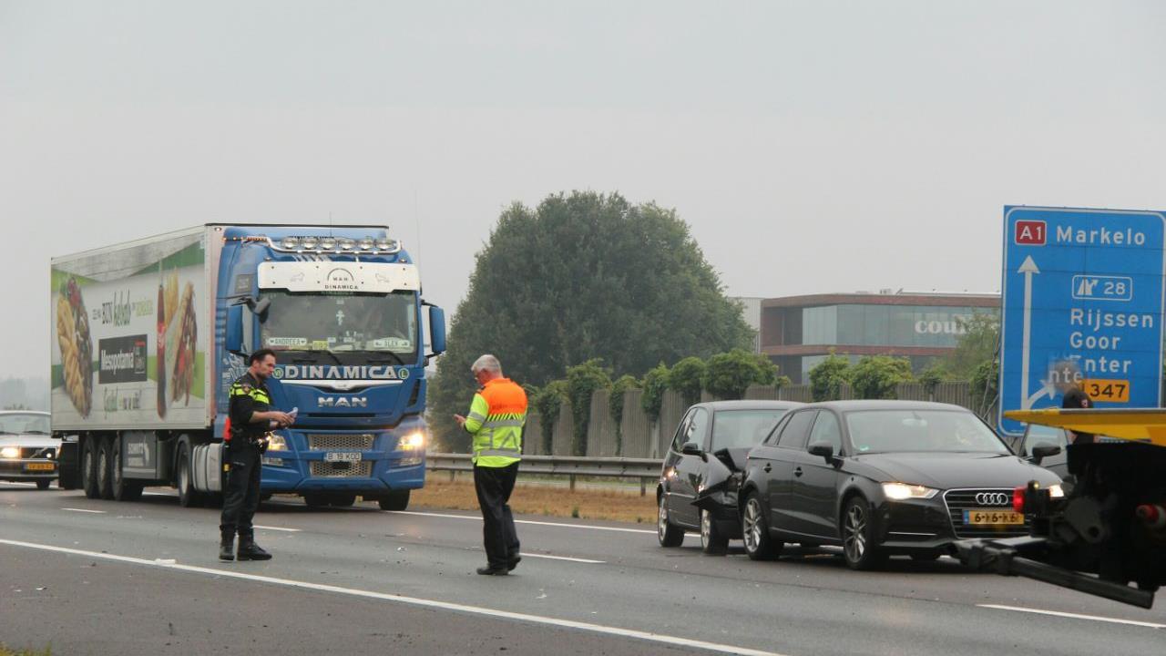 Twee ongevallen op de A1 bij Enter richting Hengelo.