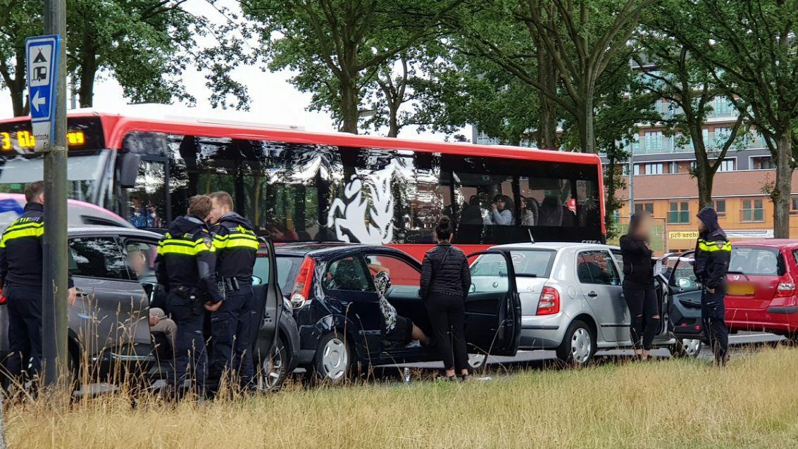 Vrouw raakt gewond bij ongeluk Gronausestraat Enschede.
