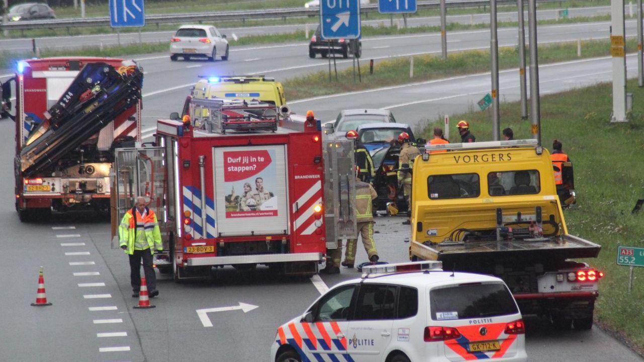 Bestuurder gewond bij eenzijdig ongeval op A35 bij Borne.