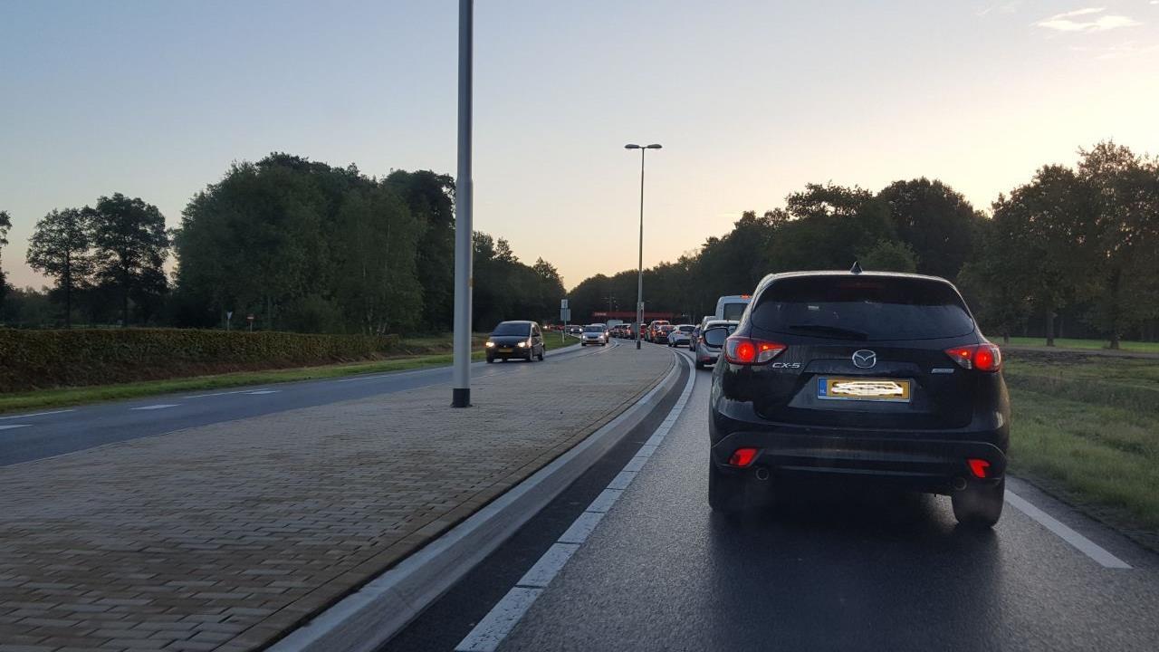 Verkeer op N346 tussen Goor en Ambt Delden staat vast na ongeval.