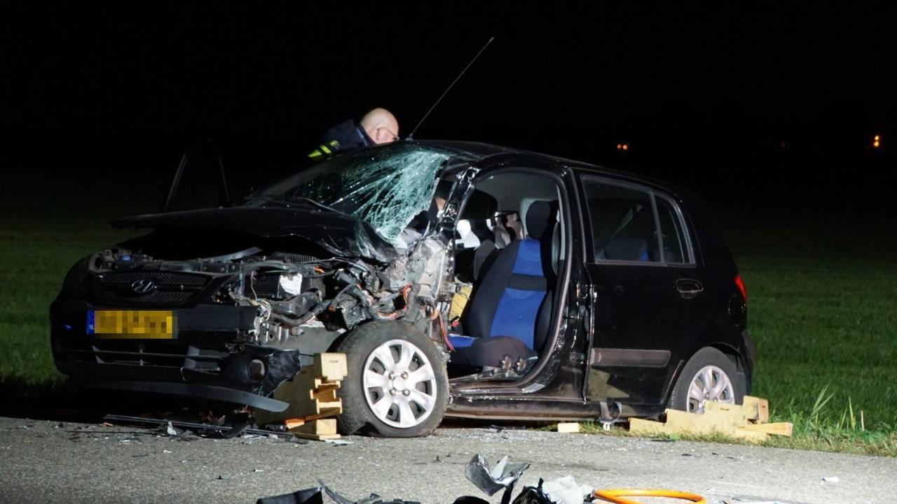 File op A15 door ongeluk met meerdere autos.