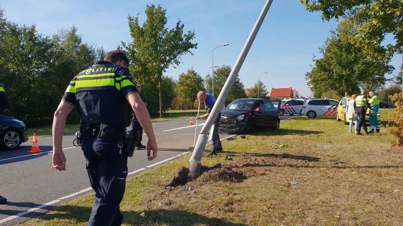 Vrouw moet mee naar arrestantencomplex na ongeval in Hengelo.