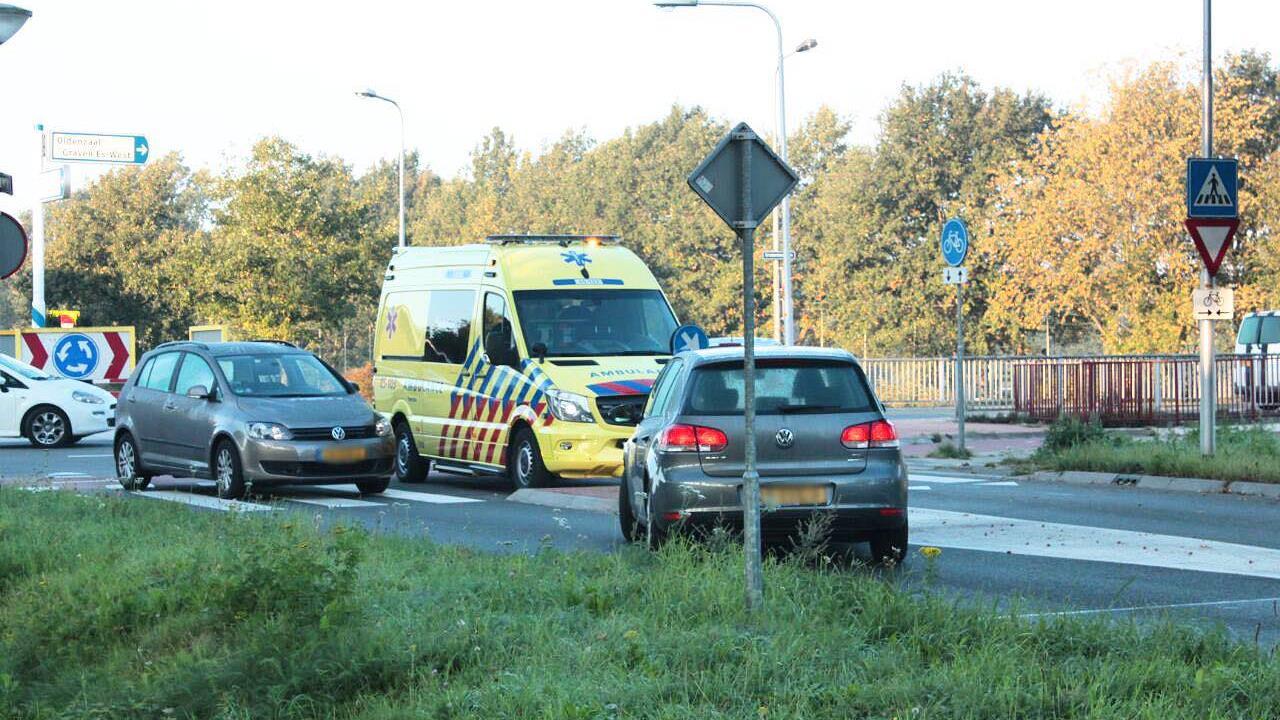 Jonge fietsster gewond bij aanrijding in Oldenzaal.