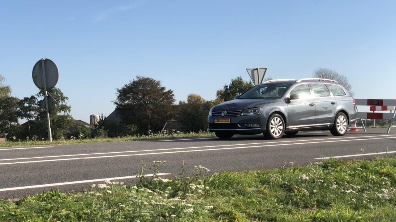 Fietsster zwaargewond bij ongeluk op N337 in Wijhe.