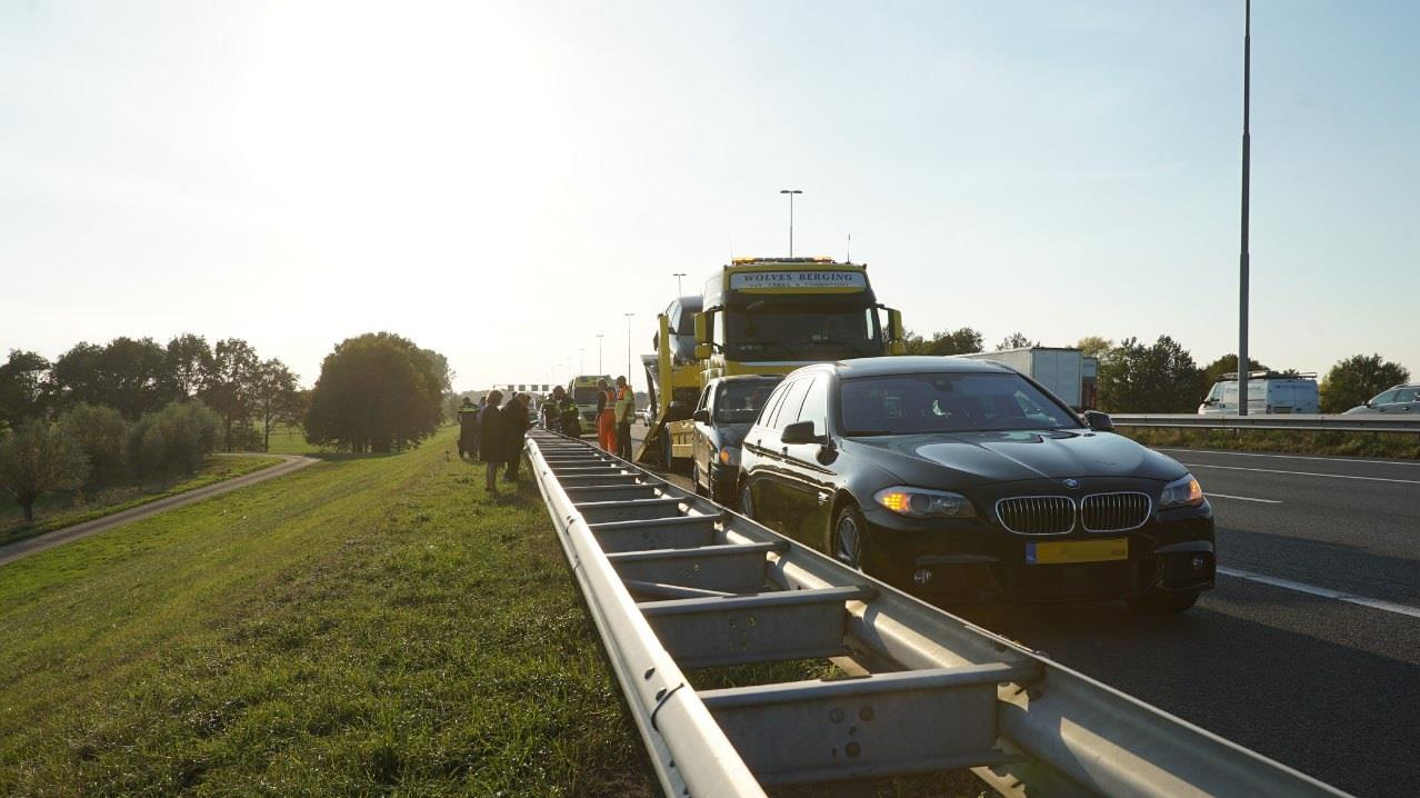 Flinke file op A1 na kettingbotsing bij Deventer.