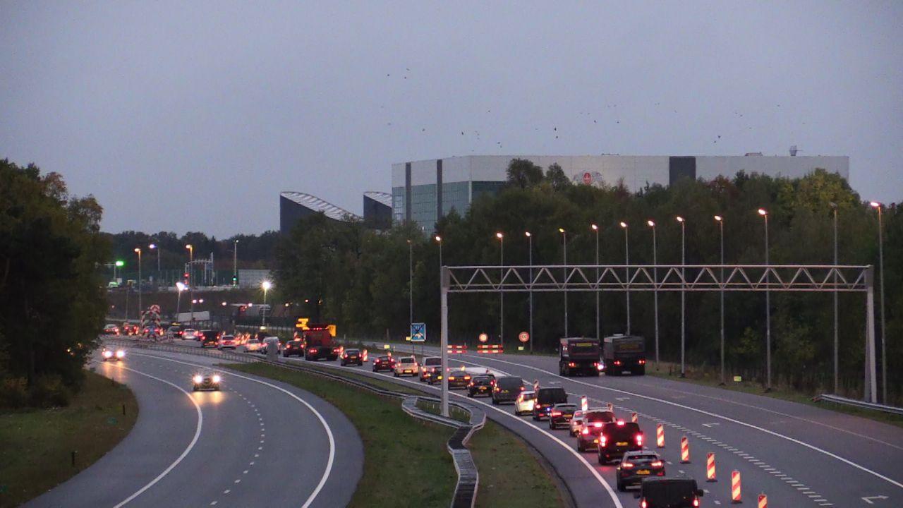 Drukke ochtendspits rond Enschede: lange files door ongelukken.