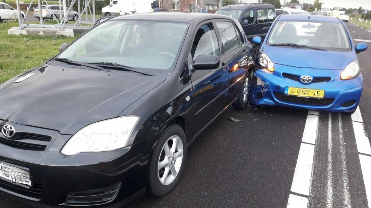 File op N35 tussen Wierden en Nijverdal na ongeluk met meerdere autos.