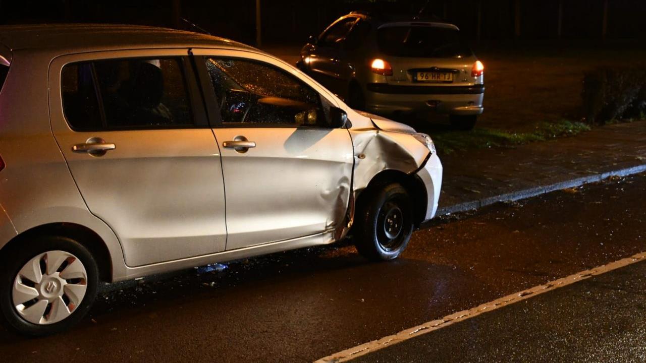 Gewonde bij ongeluk met drie autos in Enschede.