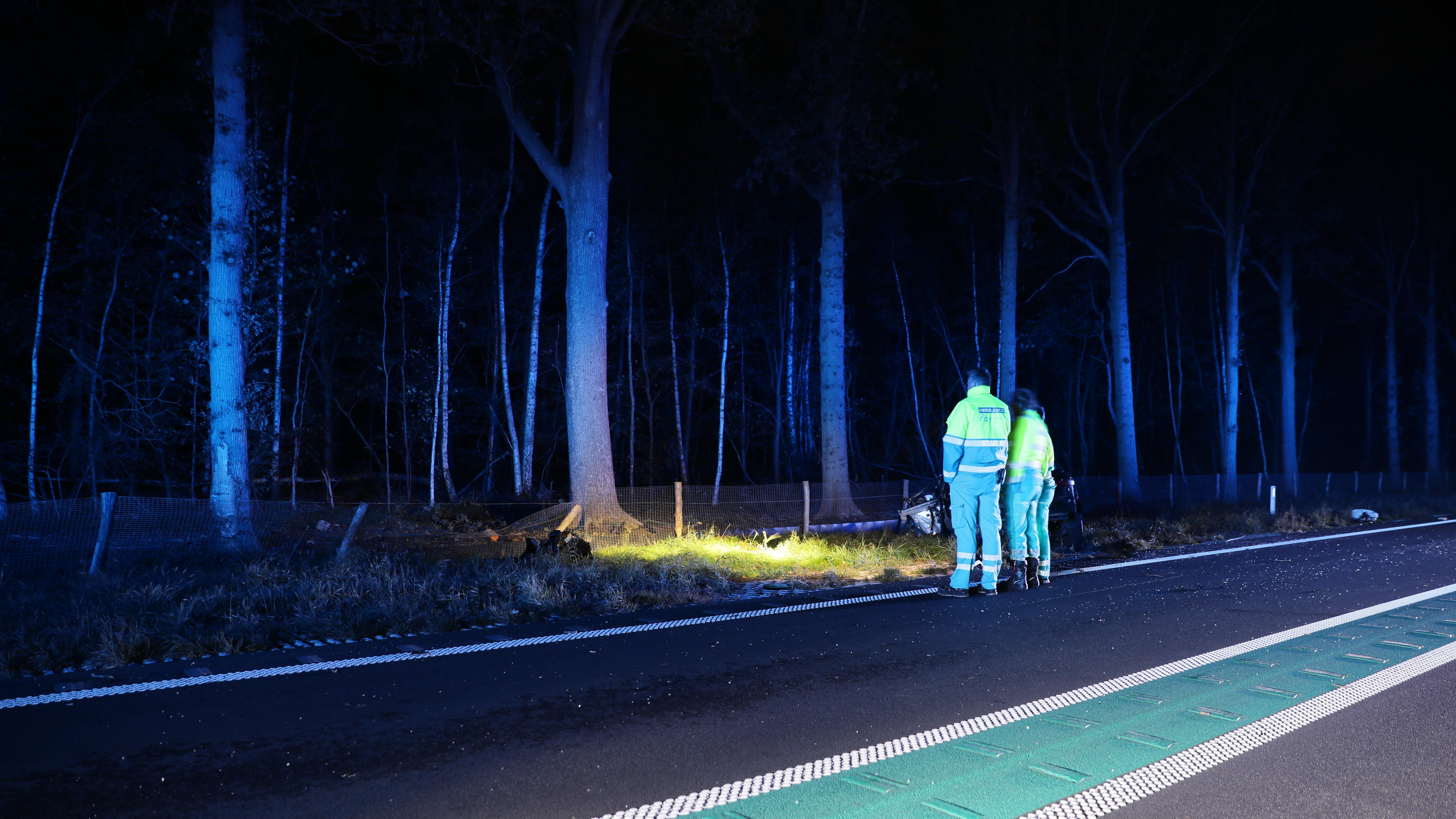 Automobilist overleden bij eenzijdig ongeval op N34 bij Hardenberg.