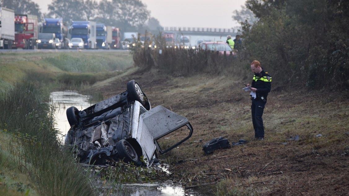N36 bij Ommen voor langere tijd dicht na dodelijk ongeval.