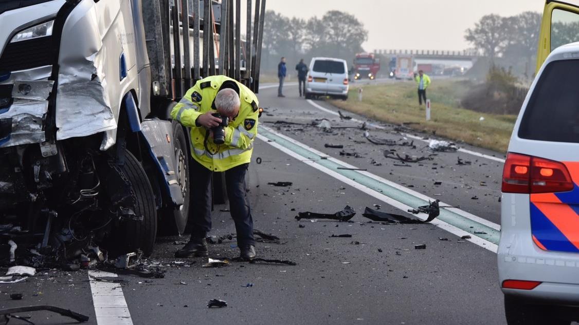 Politie zoekt filmbeelden van dodelijk ongeval op N36 bij Arriën.