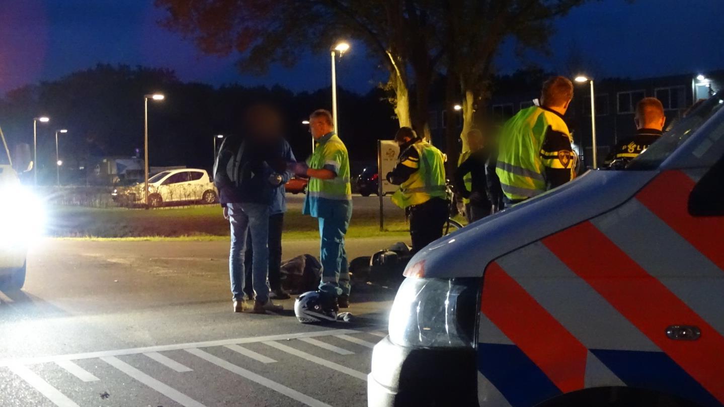 Vrouw naar ziekenhuis na aanrijding in Hengelo.