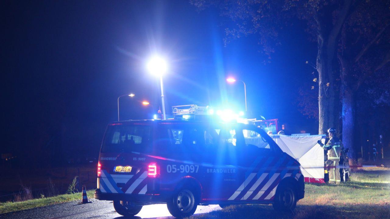 Automobilist overleden bij eenzijdig ongeval in Enter.