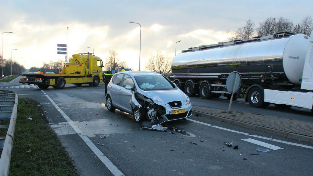 Wéér een ongeluk op afrit A1 bij Holten.