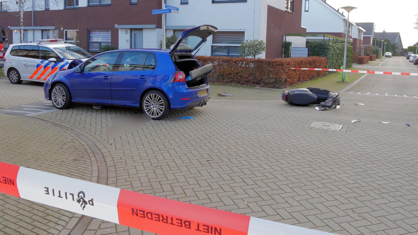 Scooterrijder ernstig gewond bij aanrijding in Glanerbrug.