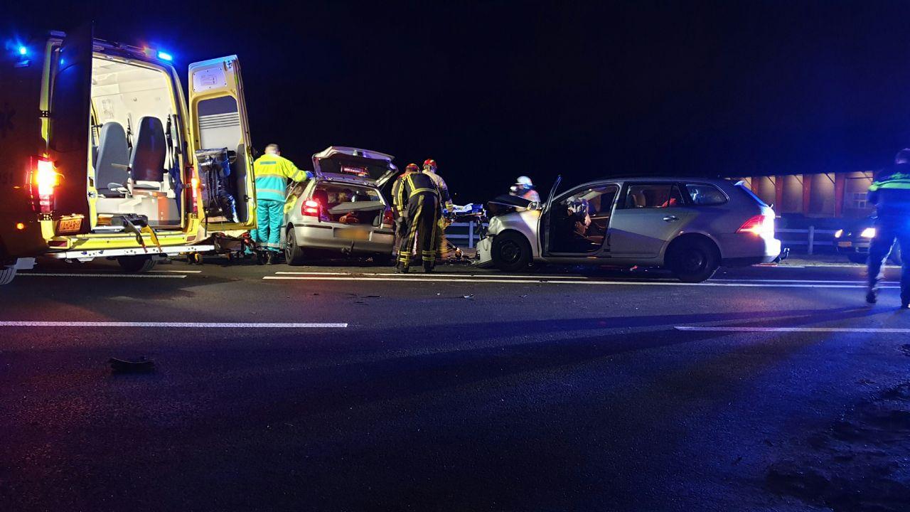 Meerdere gewonden bij frontale botsing in Albergen.