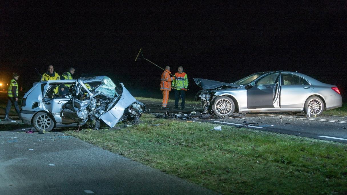 Twee zwaargewonden bij ongeluk N332, weg weer vrij.