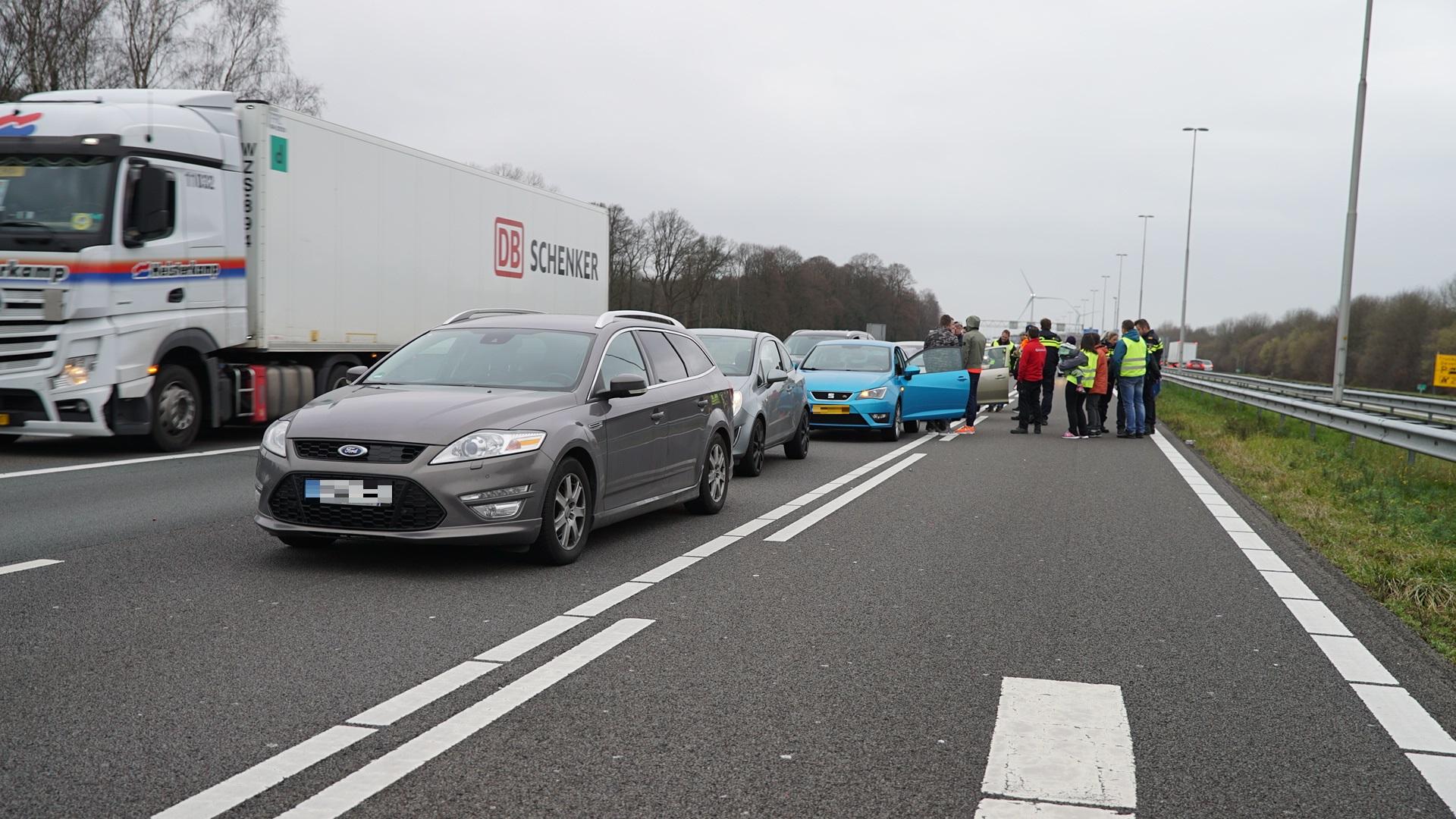 Weg weer vrij na kettingbotsing op A1 bij Deventer.