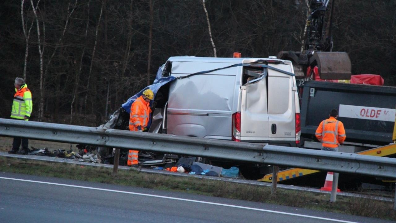 A1 gaat weer open na dodelijk ongeval, maar verkeer staat vast in hele regio.