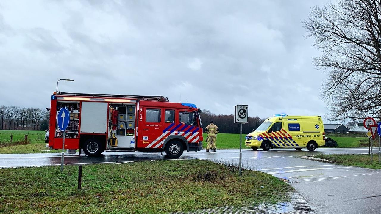 Ongeval met gewonden op N343 in Fleringen, een persoon naar het ziekenhuis.