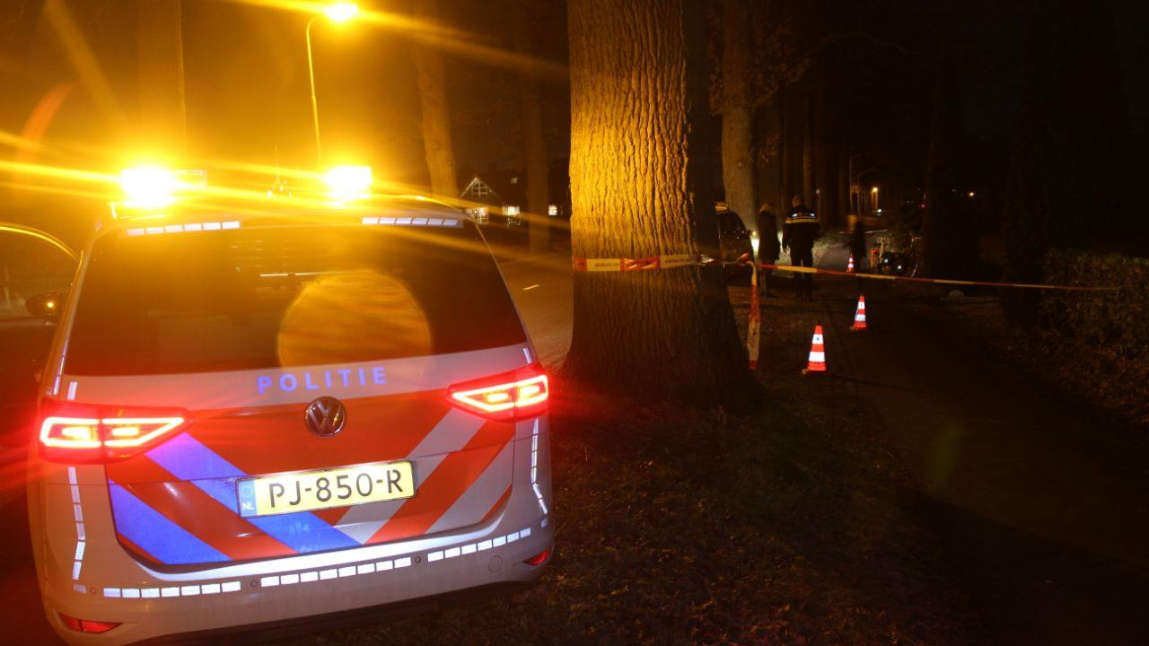 Fietser gevlucht na aanrijding in Diepenveen.