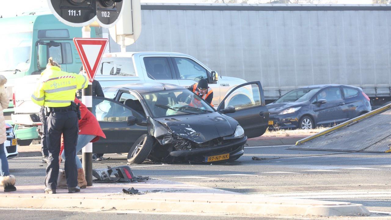 Ravage op N35 bij Nijverdal na ongeluk.