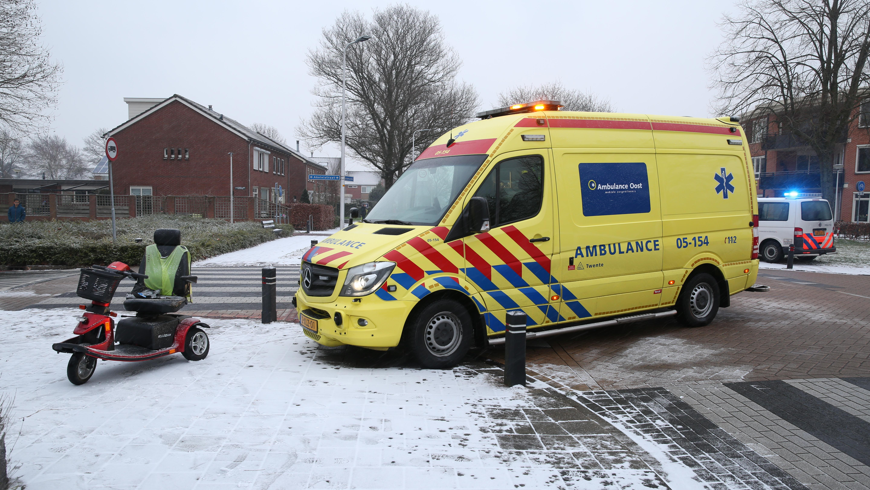 Bestuurder van scootmobiel gewond na aanrijding in Wierden.