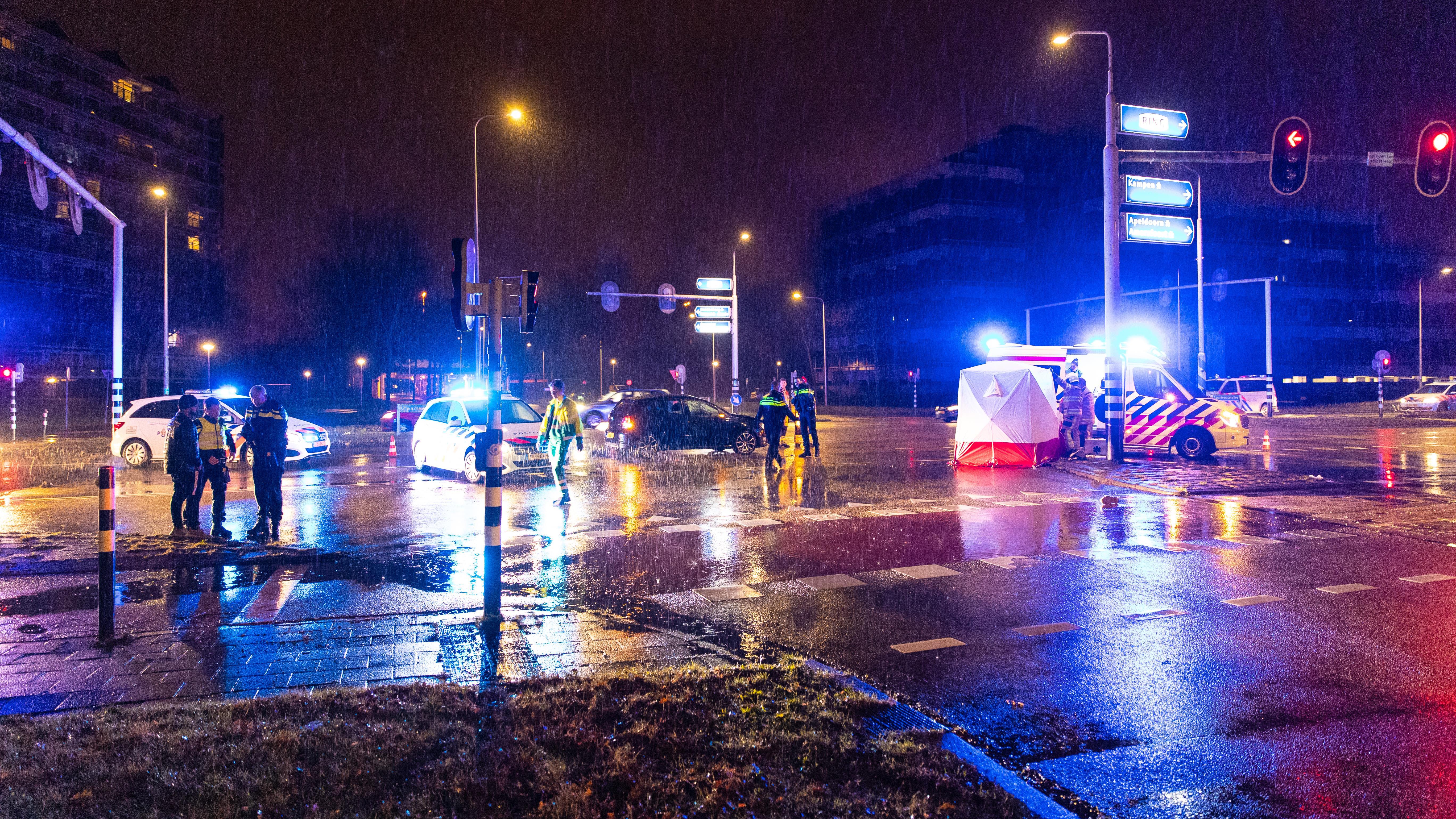 Voetganger overleden na aanrijding in Zwolle.