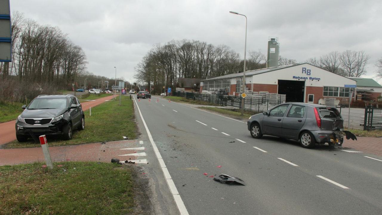 Gewonde bij auto-ongeluk in Enter.