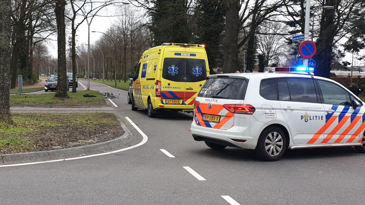 Fietser gewond na aanrijding met auto in Hengelo.