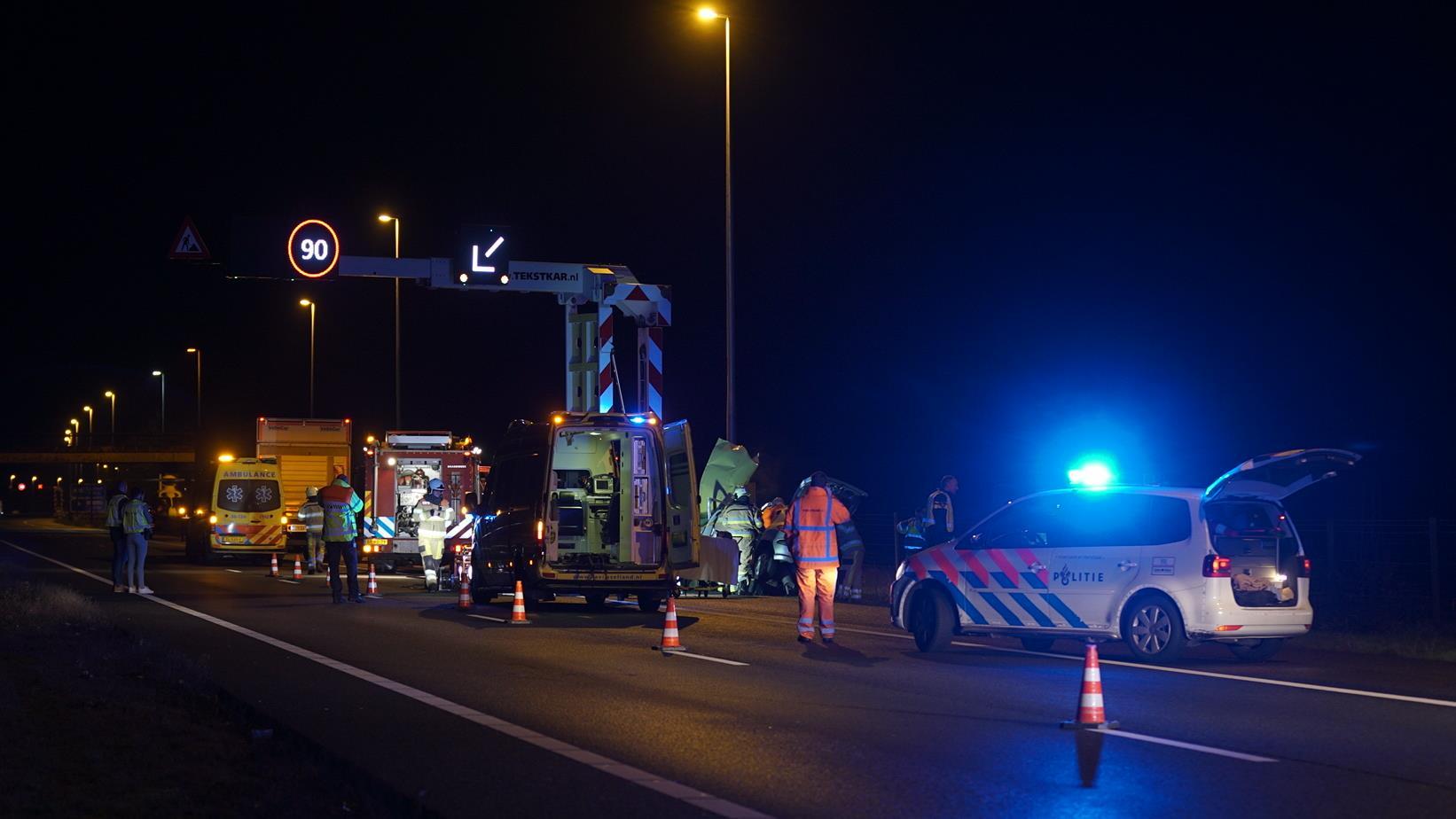 A1 bij Deventer dicht na ernstig ongeluk bij Bathmen.