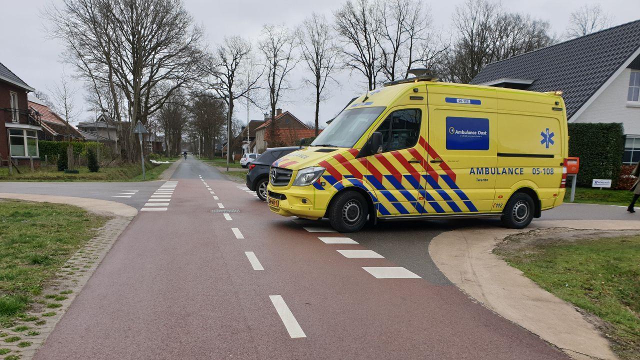 Fietser gewond na botsing met auto Hengelo.
