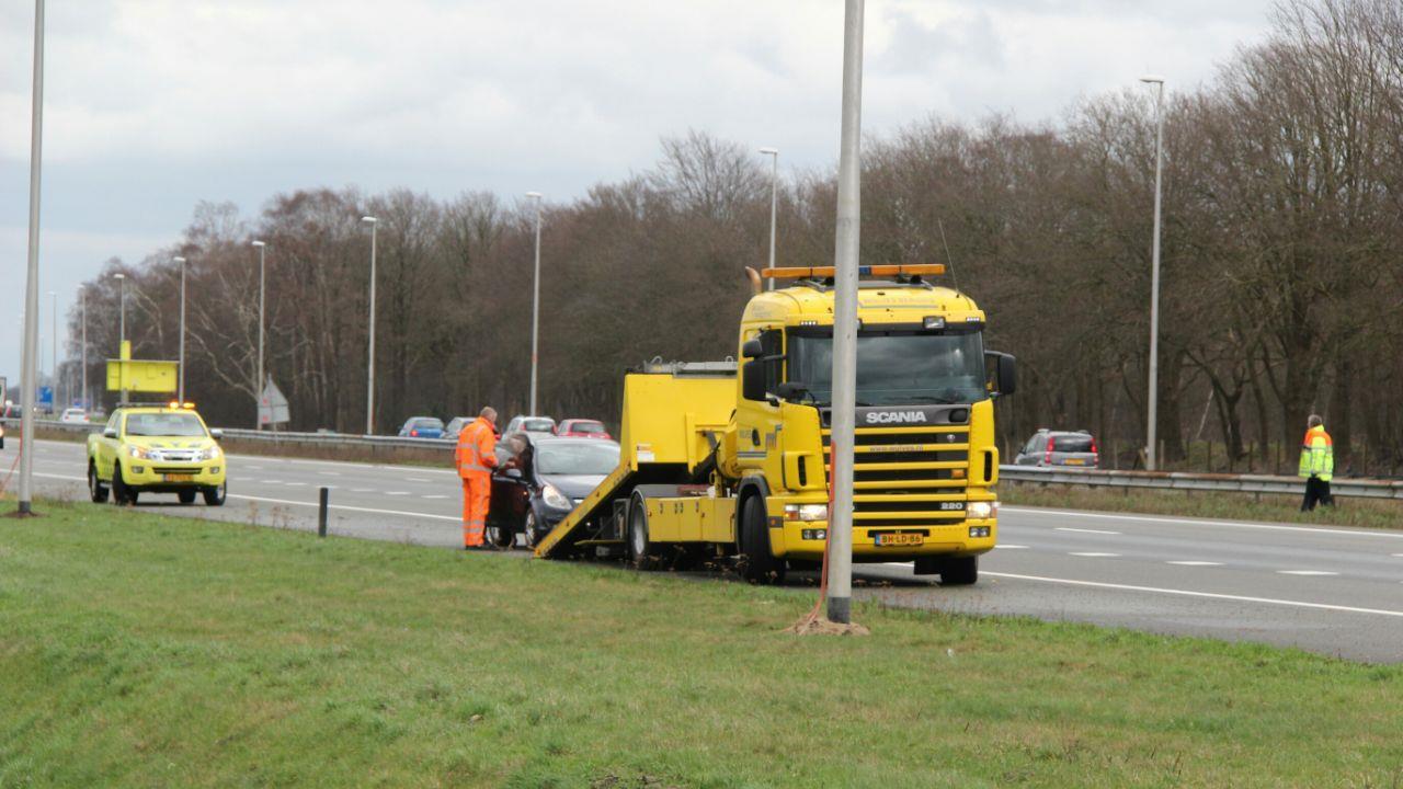 Overlast voor verkeer na eenzijdig ongeluk op A1 bij Bathmen.