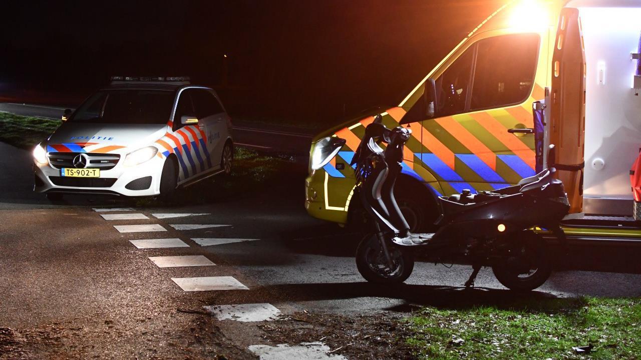 Scooterrijder naar ziekenhuis na eenzijdig ongeval in Den Ham.