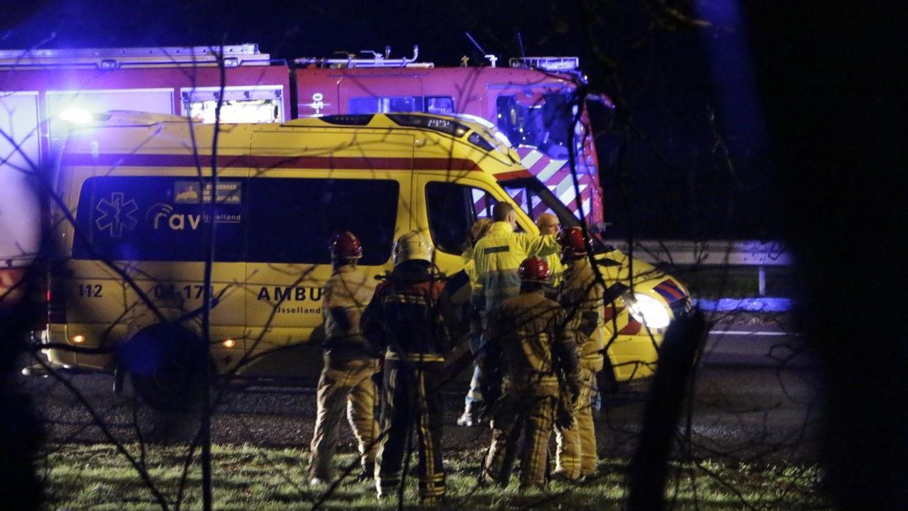 Wegwerkers aangereden door vrachtwagen op A1 bij Holten.