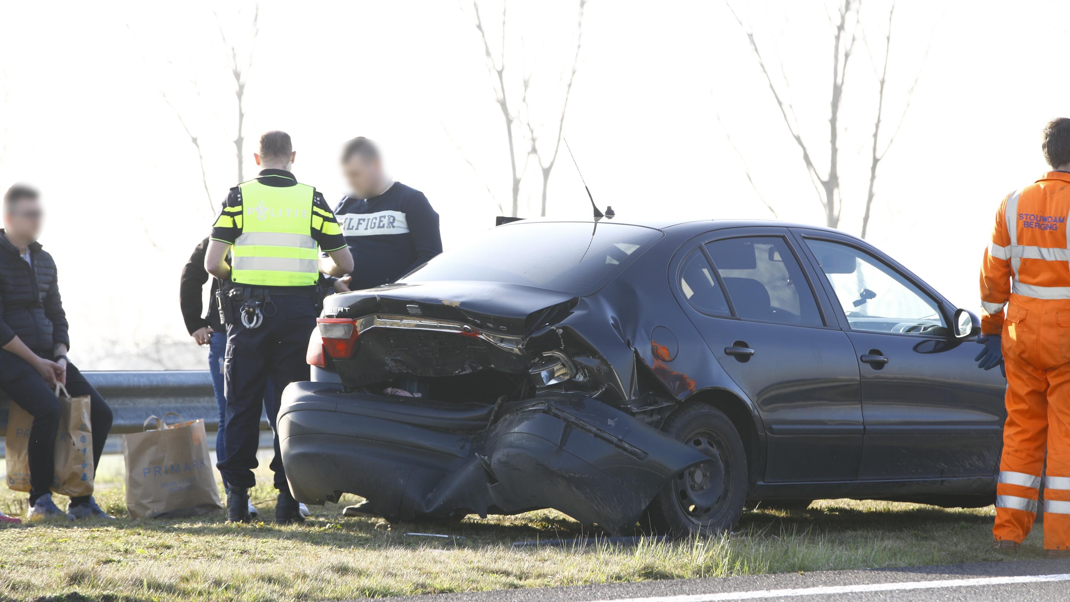 File op N50 door ongeluk bij Kampen-Zuid.