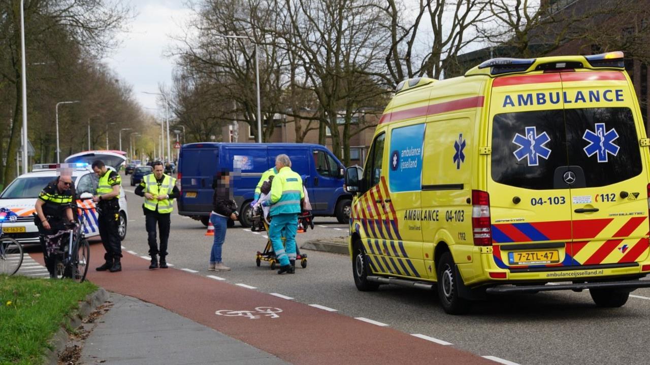 Fietsster gewond door aanrijding in Zwolle.