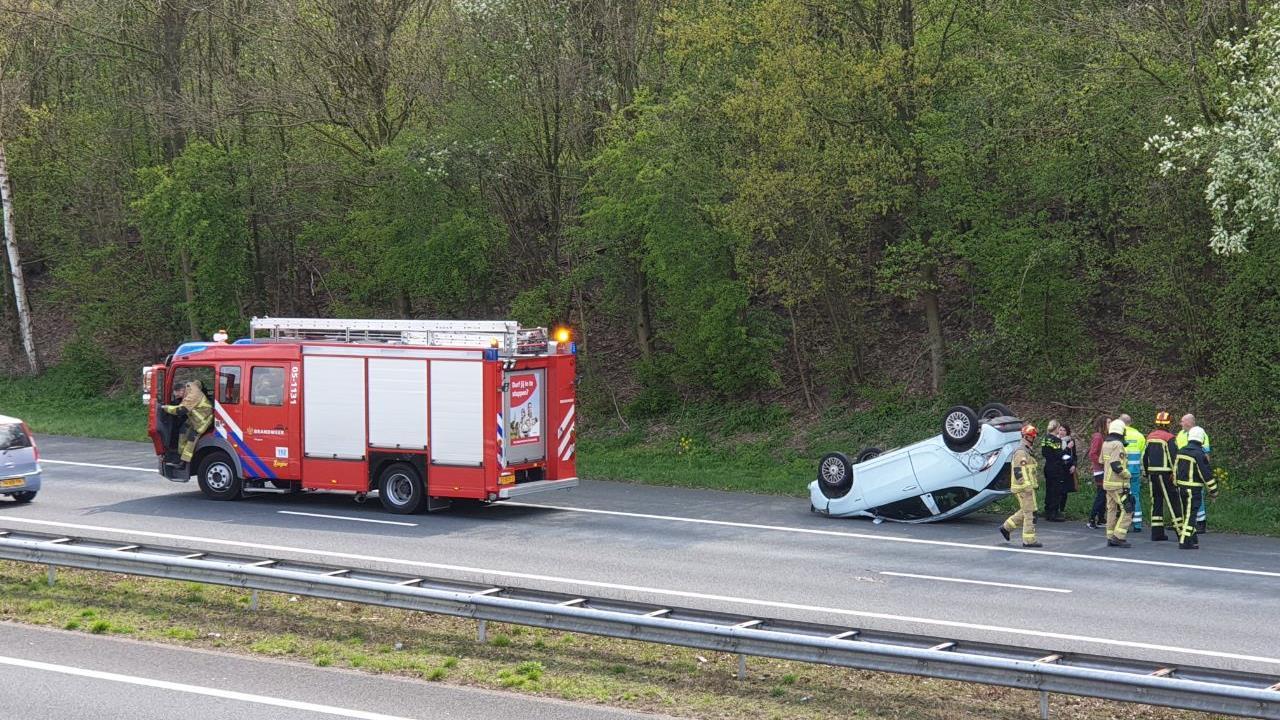 Rijbaan A1 afgesloten van Hengelo richting Oldenzaal door ongeval.
